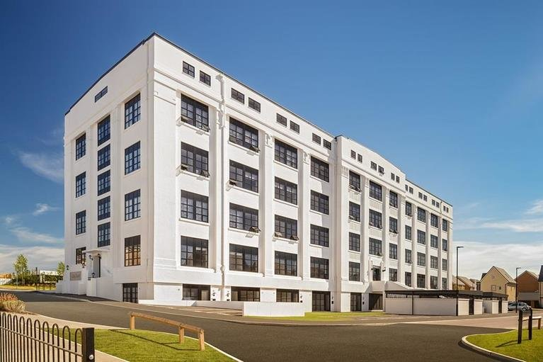 7985 03 bh whitebuilding at chapelgate basingstoke apartments