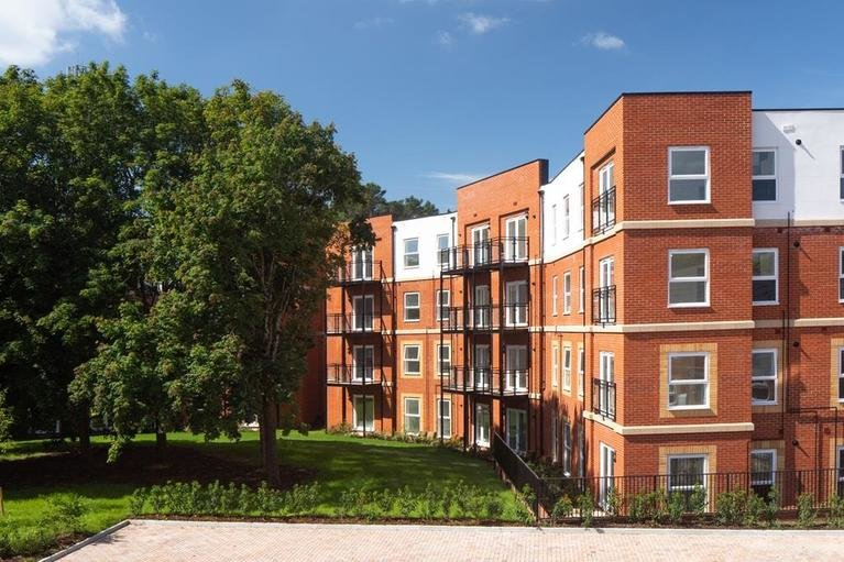 8005-06 bh cricket field grove crowthorne apartments